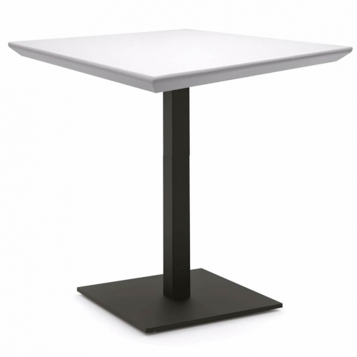 Cafe Tables  Stylish durable fullycustomizable