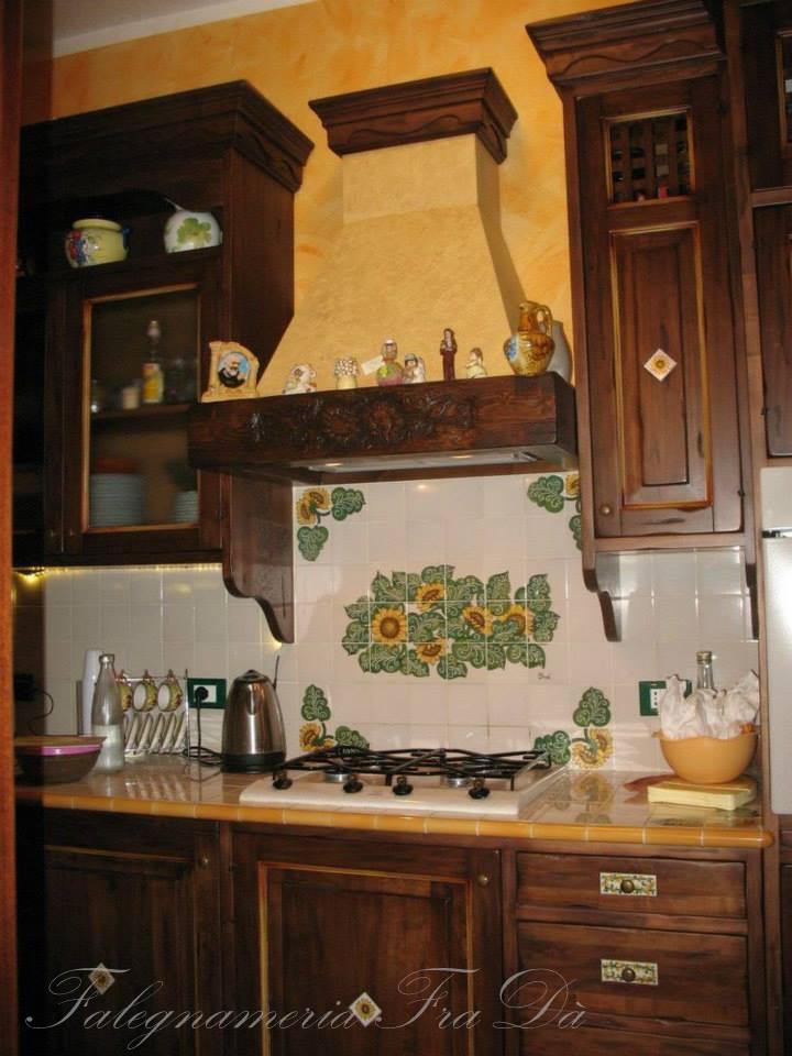 Cucina rustica in legno massello  Falegnameria Frad