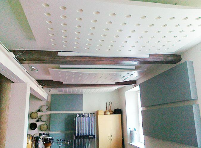 Conservatorio di Musica Lucio Campiani, Mantova – Fornitura e posa di porte interne ad alto potere fono isolante per aule musicali , moduli acustici fonoassorbenti , manufatti vari in legno