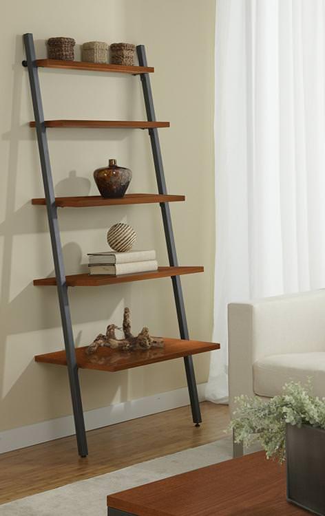 Librerie in legno da parte a forma si scala