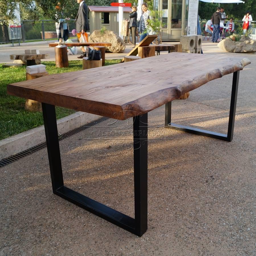 Tavolo legno massello di castagno Gambe in ferro Impero