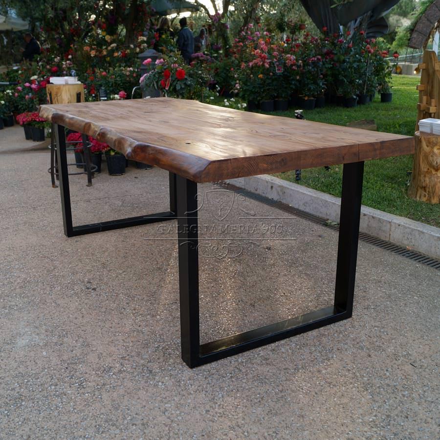 Tavolo legno massello castagno e gambe in ferro  Offerta