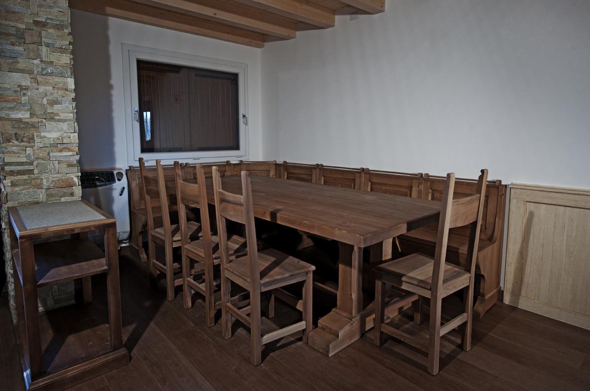 Tavolo con Giropanca  Falegnameria Avoledo