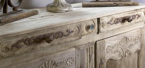 Divano francese colore beige struttura in legno decapato cm 215 x 85 x h 100 divani francesi online. Realizzazione E Recupero Mobili In Stile Provenzale
