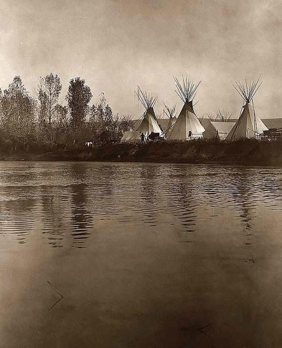 the_north_american_indian-edward-curtis-crow-camp