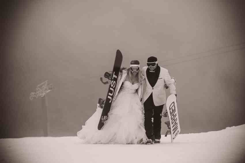 queenstown winter wedding tips queenstown wedding trends Now this is what I call a Queenstown Winter Wedding!! At Coronet Peak...on snowboards...in a snow storm!! fallon photography