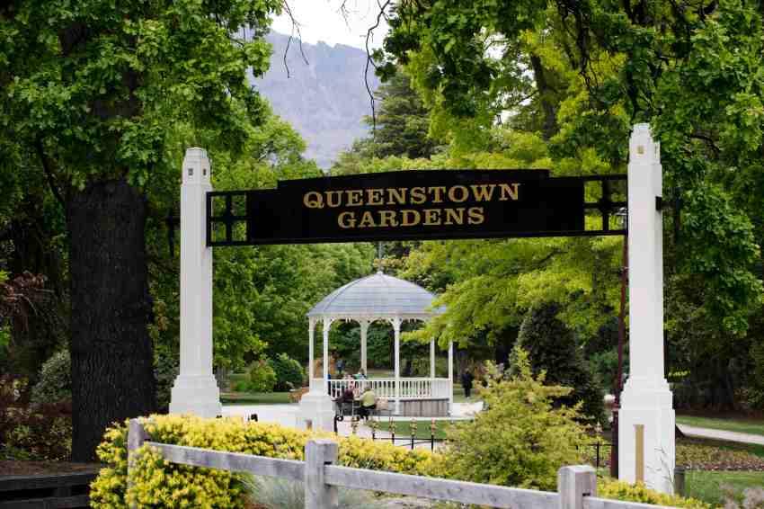 Queenstown Gardens Elopement winter