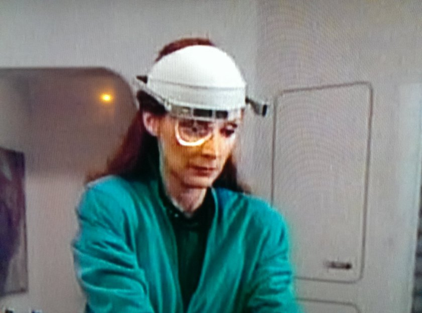 Google Glasses seem to be a lot bulkier than they are now though...