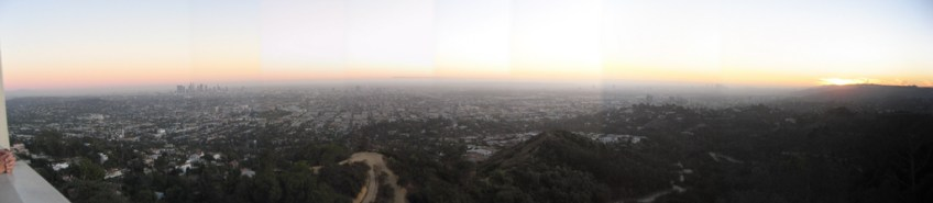 panarama from Griffth south to La