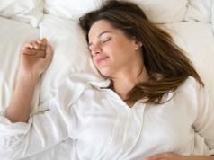 Kvalitný spánok vám zabezpečí kvalitná posteľ. Na čo by ste mali dbať pri výbere manželskej postele?