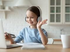 Kyberšikana, obťažovanie anevyžiadané správy – ochrana abezpečnosť pri používaní internetu asociálnych sietí umaloletých detí