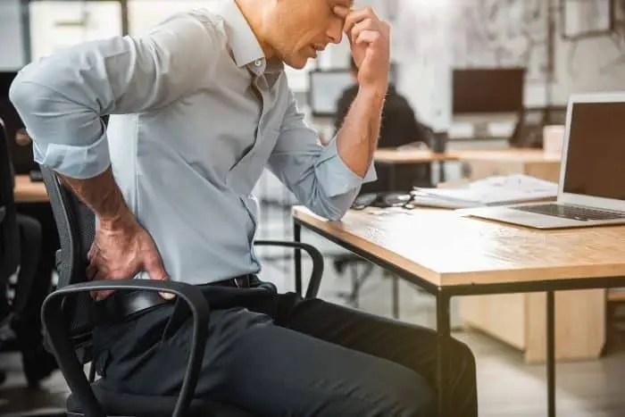 8 cosas que le suceden a tu cuerpo cuando permaneces sentado muchas horas | Familias