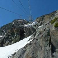 Der sehr steile Sessellift hoch auf den Gipfel des Whistler Mountains
