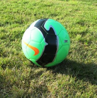 Fußball. Grün-schwarz.