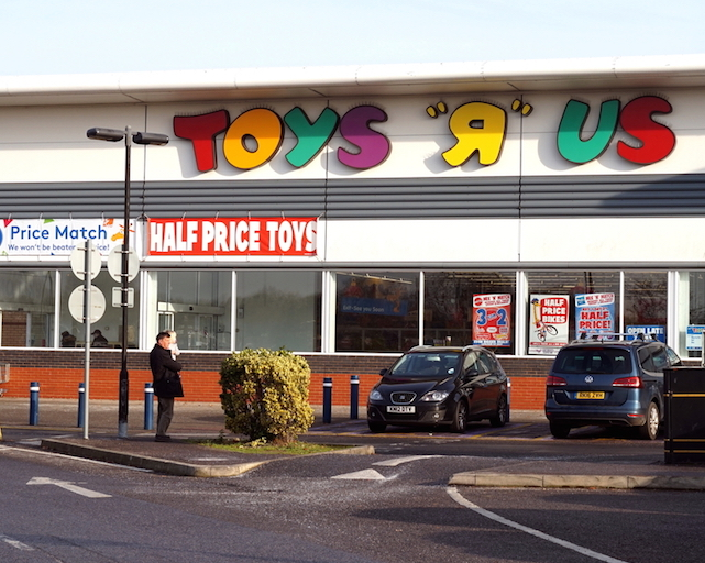 Toys R Us Woking Prepares To Say Goodbye Families Online