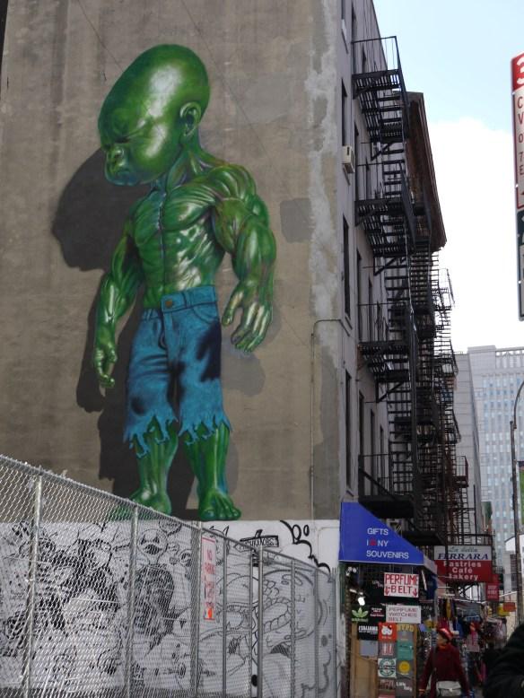 Peinture murale dans Little Italy - Bébé Hulk