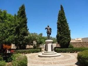 Toledo: Statue de Garcilaso de la Vega -famille nomade digitale
