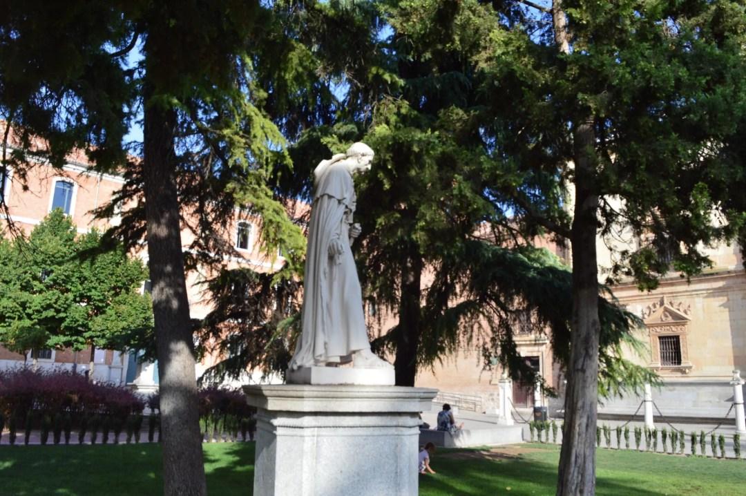 Statue du cardinal de Cisneros-université