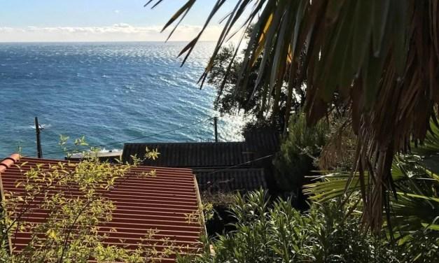 2 mois entre ciel et mer : Vivre dans une calanque hors saison