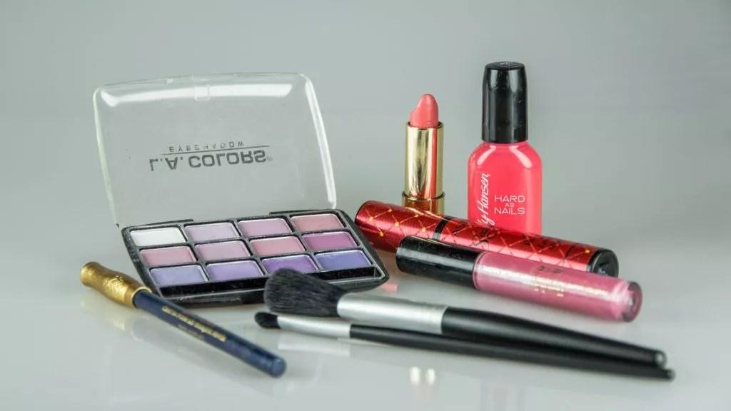 nomade digital-minimalisme-trousse de maquillage