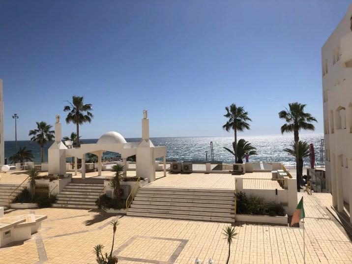 vue de la terrasse de notre airbnb a quarteira - portugal