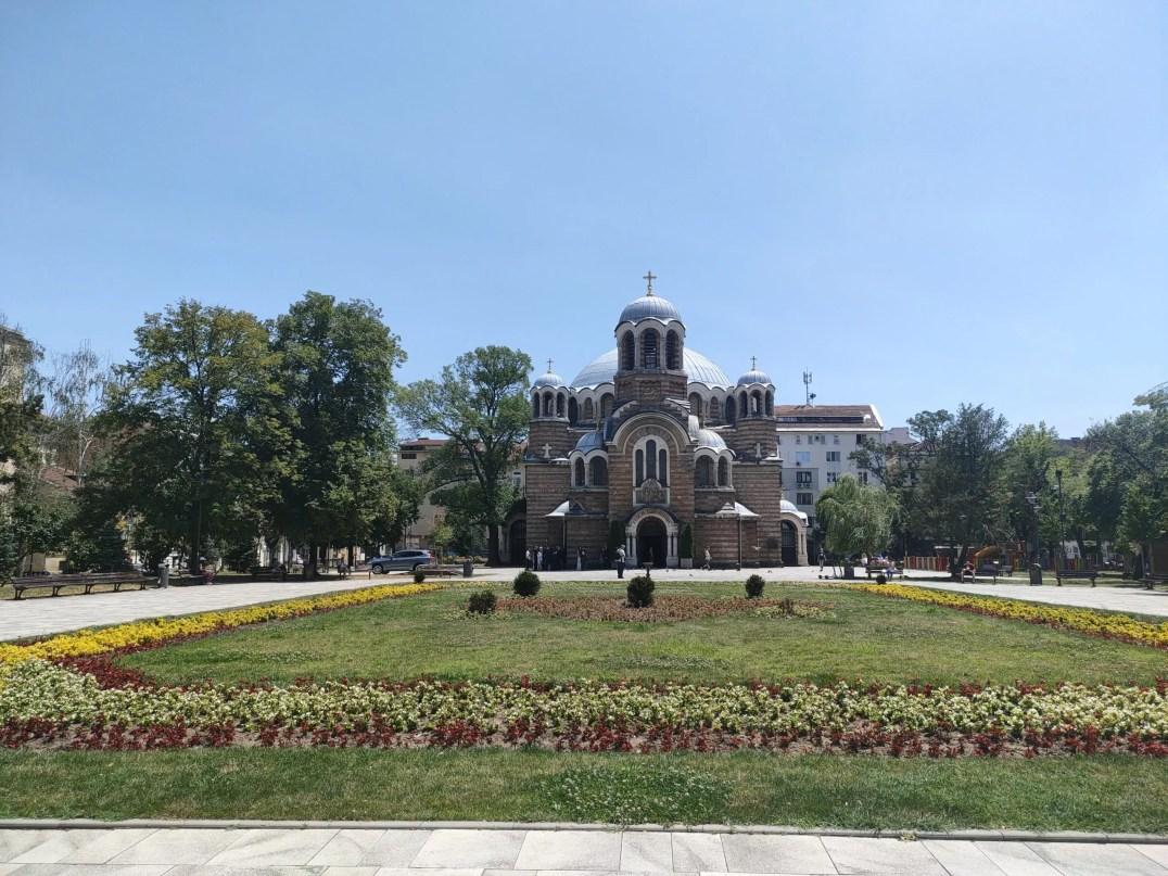 eglise orthodox et son parc a Sofia en Bulgarie