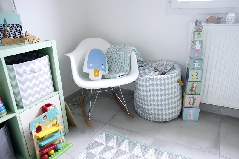 décoration chambre bébé pour jumeaux pastel