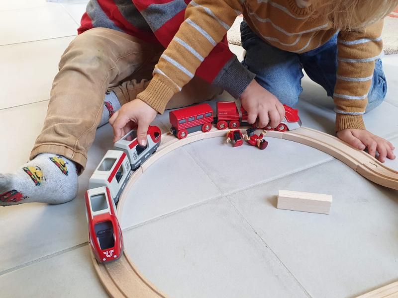 brio train aérodynamique circuit 8 voyageurs avis test