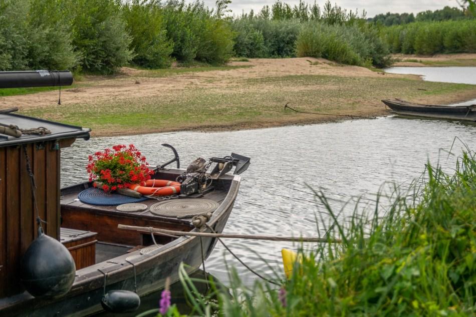 bateau a quai au Thoureil