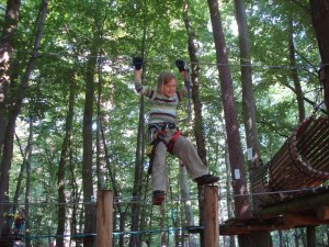 There are seven different ropes courses in the adventure climbing park of Kühlungsborn. The easiest is suitable for five-year-olds. The photo was taken on the second parcours where you have to be at least 1,25 m high.