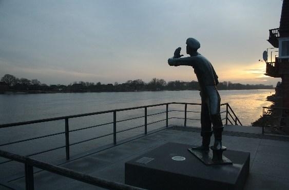"""Wie ein Bayer an der Elbe das """"Ahoi"""" erfand (in Lauenburg, Deutschland)"""