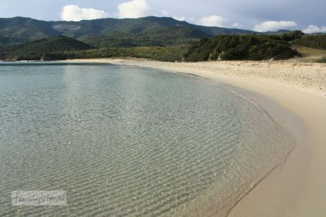 Korsika hat so viel Sandstrand, dass sich bestimmt auch in der Sommersaison fast für jeden eine einsame Bucht findet (sofern er motorisiert ist, denn viele solche Perlen befinden sich weit ab vom Schuss).