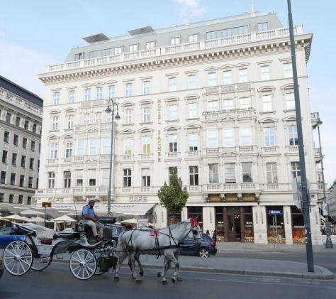 Café Sacher, Wien mit Kindern, mit Fiaker
