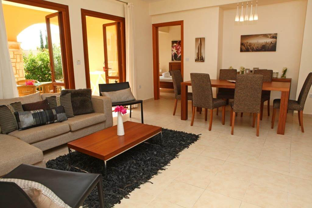 3-bed-apartment-cb01-living-room