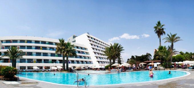 hotel-roc-golf-trinidad-piscina-fachada