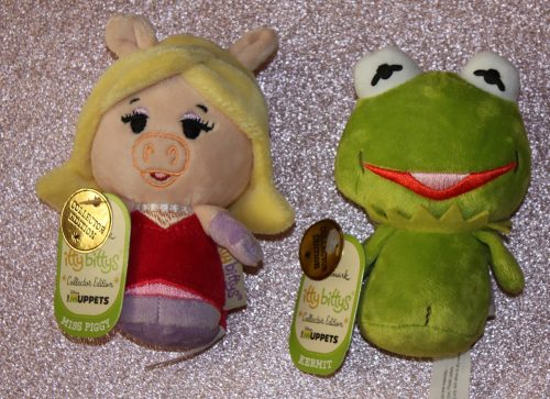 Hallmark Itty Bitty Miss Piggy Kermit Valentines Day Family Clan