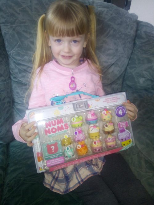 Graces Num Noms cakes review by Family Clan