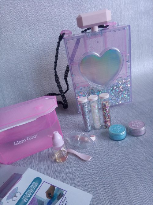 Glam Goo Slime and Accessory Deluxe Pack review by Family Clan