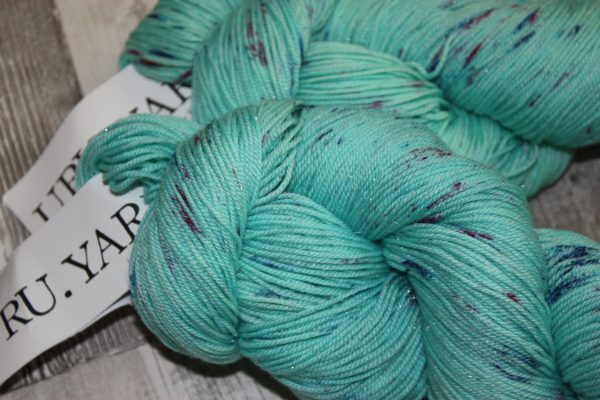 Knitcrate March 18 URU Yarn Review Family Clan