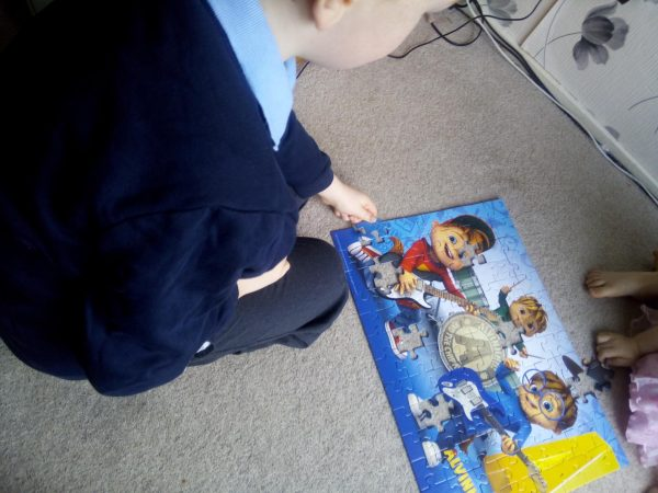 Ravensburger Alvin and the chipmunks XXL jigsaw review by Family Clan