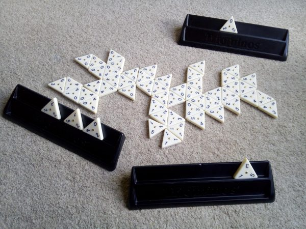 Triominos De Lux review by Family Clan