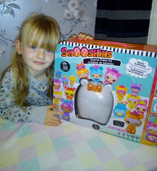 Smooshins Surprise Maker Kit review by Family Clan