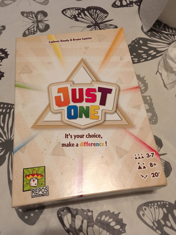 Just One by Asmodee Review by Family Clan 5