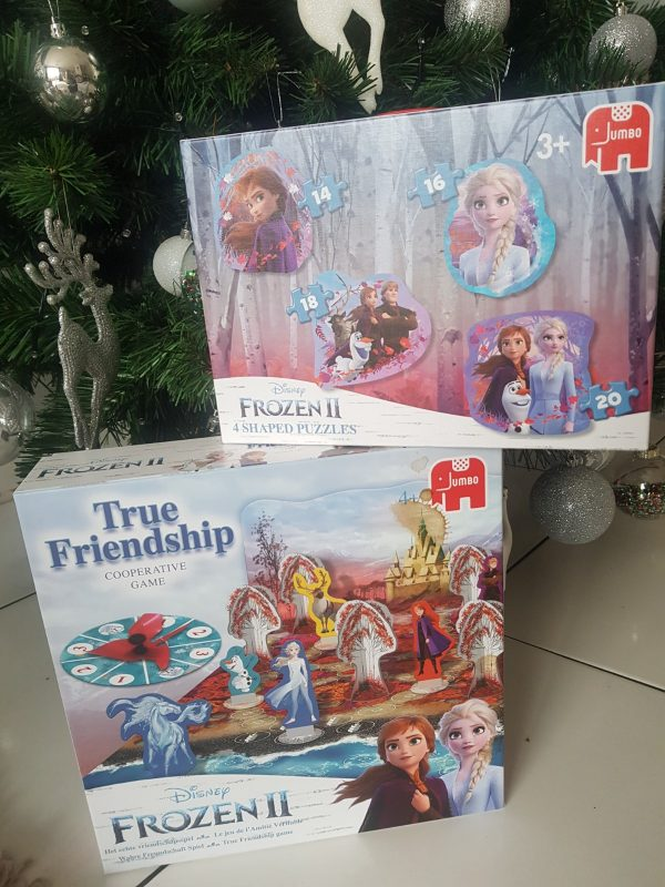 Frozen 2 Jumbo puzzle and game review by Family Clan