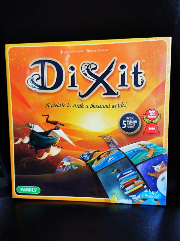 Dixit review by Family Clan