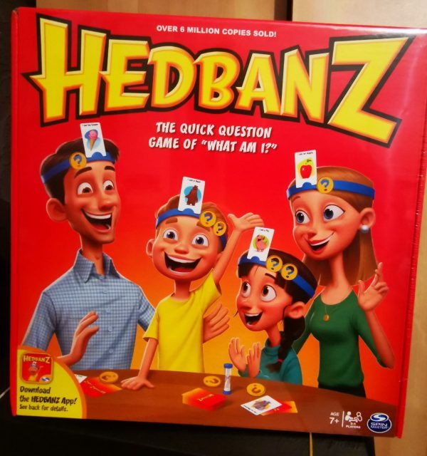 Hedbanz review by Family Clan