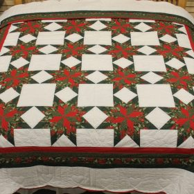 Holiday Quilts | Christmas Colonial Star Quilt | King Quilt | Family Farm Quilts