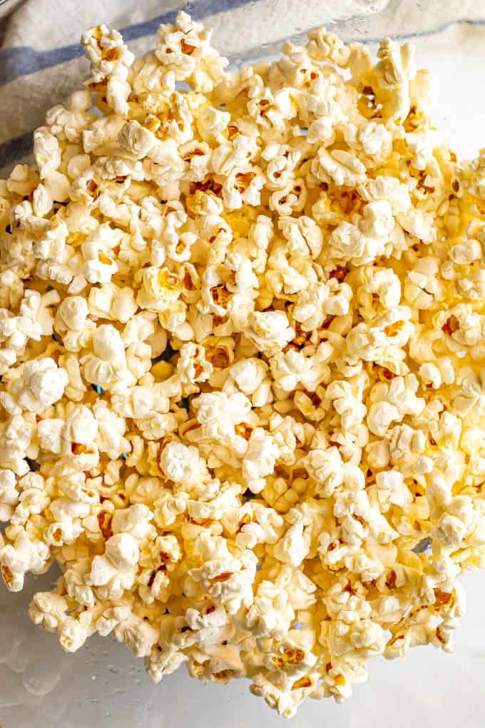 easy microwave popcorn 2 ways