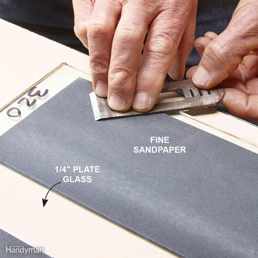 Sharpening Wood Chisels With Sandpaper