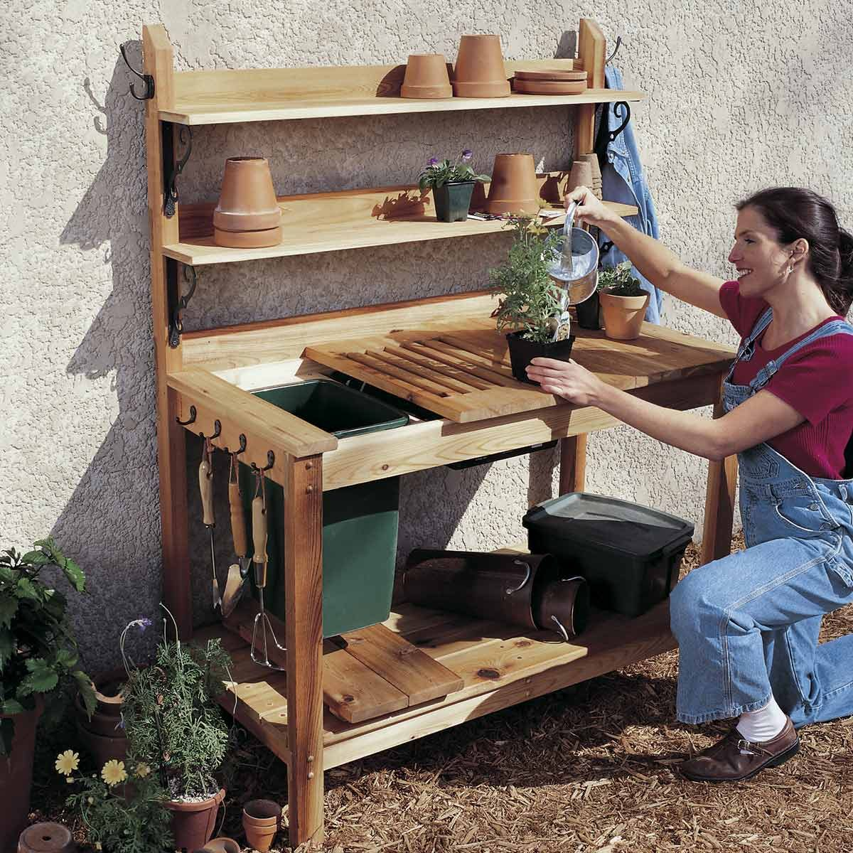 diy patio chairs graco high chair 6 in 1 15 awesome plans for furniture the family handyman cedar potting bench